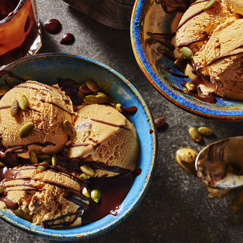 Pumpkin Pie Sundaes with Chocolate Sauce