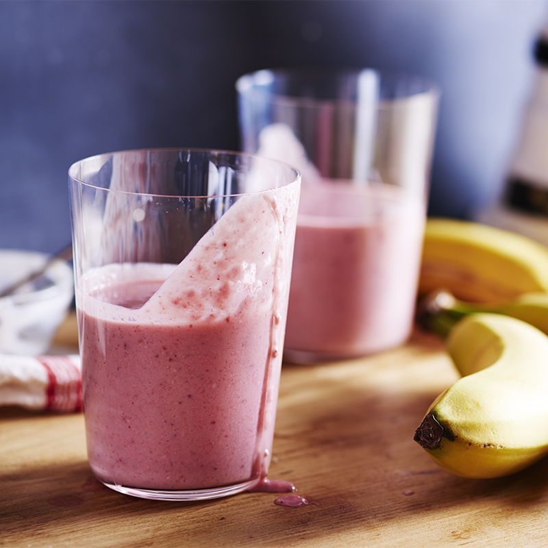 Strawberry Cashew Breakfast Shake